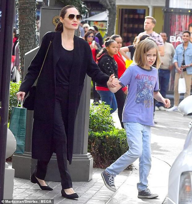 Angelina Jolie khoe 3 con ruột ngày càng cao lớn, thừa hưởng nét đẹp của cả bố lẫn mẹ - Ảnh 5.