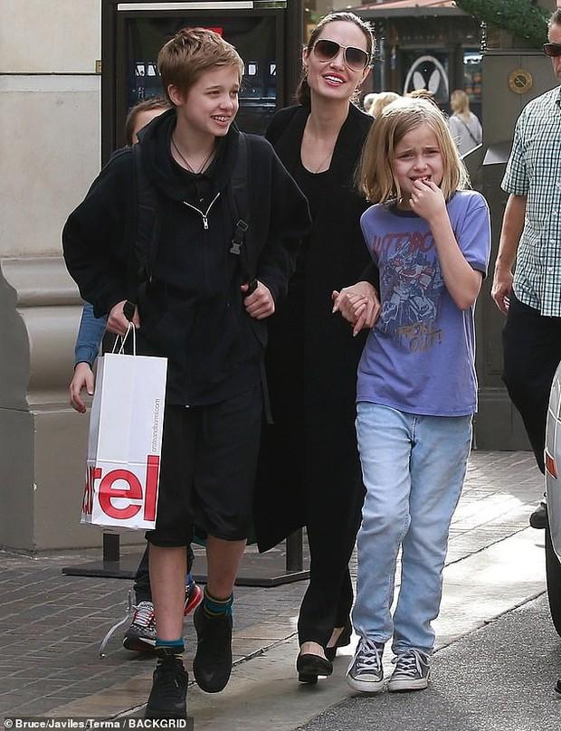 Angelina Jolie khoe 3 con ruột ngày càng cao lớn, thừa hưởng nét đẹp của cả bố lẫn mẹ - Ảnh 7.