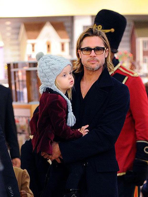 Angelina Jolie khoe 3 con ruột ngày càng cao lớn, thừa hưởng nét đẹp của cả bố lẫn mẹ - Ảnh 8.