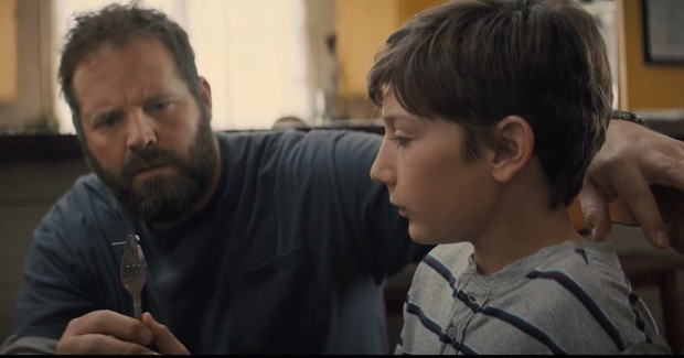 """Nghẹt thở với trailer """"Brightburn"""": Chuyện gì sẽ xảy ra nếu Superman ác từ trong trứng? - Ảnh 6."""