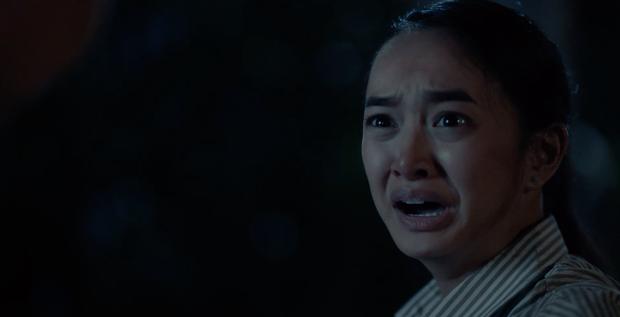 Cười mệt khi xem Trang Hý cháy tóc - Kaity Nguyễn cháy đầm trong trailer chính thức của Hồn Papa, Da Con Gái - Ảnh 7.