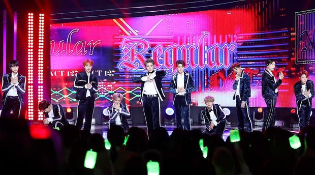 Fan NCT 127 cuối cùng cũng được ngẩng cao đầu vì kỉ lục mới của nhóm vượt BTS, EXO và BIGBANG - Ảnh 1.