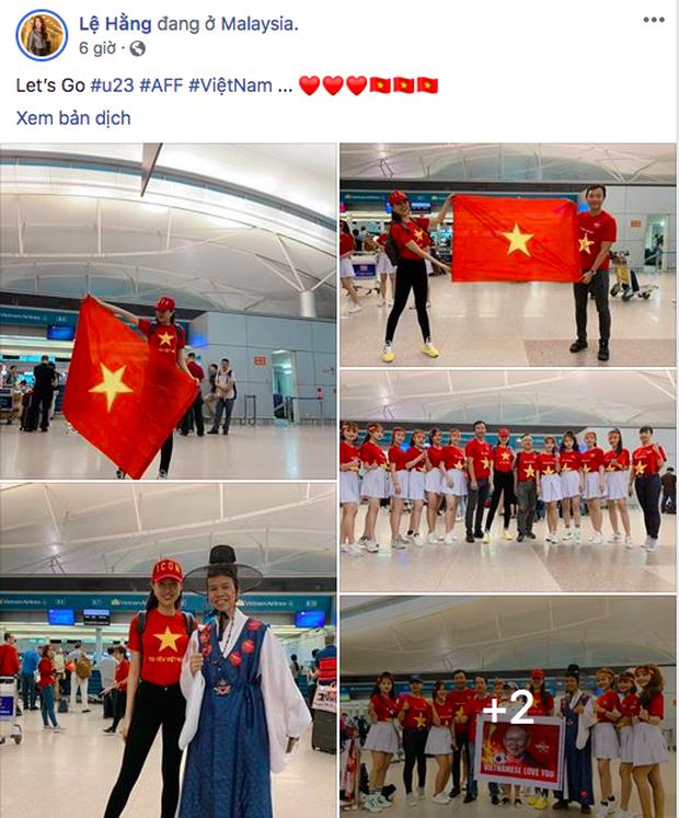 Á hậu Lệ Hằng, Bình Minh mặc áo cờ đỏ sao vàng, cùng lên đường đến Malaysia cổ vũ đội tuyển Việt Nam - Ảnh 1.