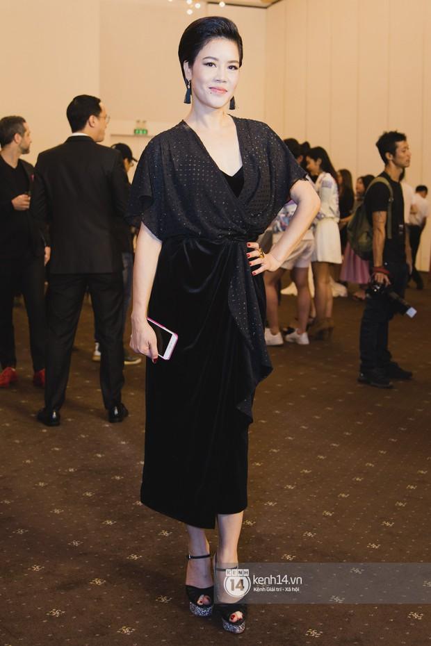 Hiếm hoi lắm mới thấy Mỹ Tâm lên đồ gắt thế này, Jolie Nguyễn phô trương với váy xẻ cao hết cả phần thiên hạ - Ảnh 16.