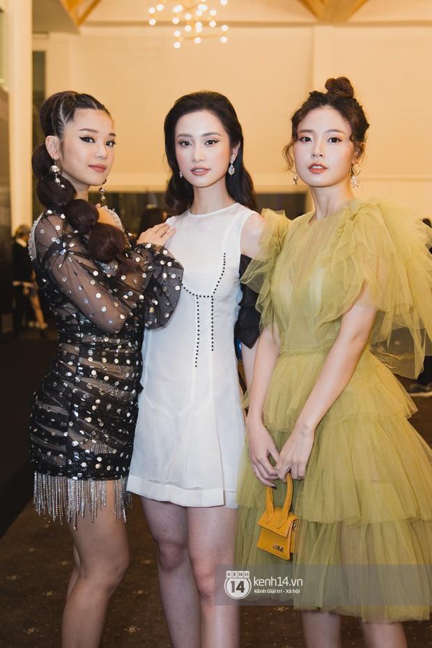 Hiếm hoi lắm mới thấy Mỹ Tâm lên đồ gắt thế này, Jolie Nguyễn phô trương với váy xẻ cao hết cả phần thiên hạ - Ảnh 9.