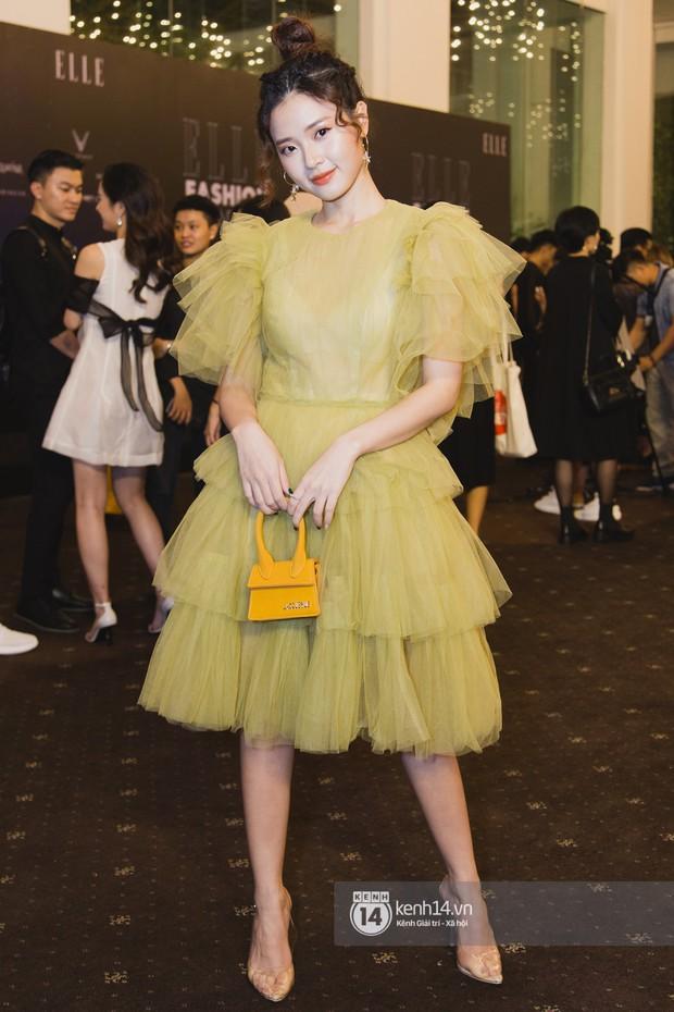 Hiếm hoi lắm mới thấy Mỹ Tâm lên đồ gắt thế này, Jolie Nguyễn phô trương với váy xẻ cao hết cả phần thiên hạ - Ảnh 12.