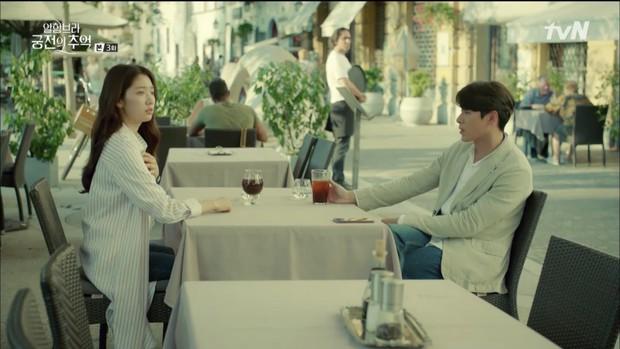 """Loạt bằng chứng cho thấy Hyun Bin vô lại vẫn hoàn vô lại trong """"Hồi Ức Alhambra"""" - Ảnh 8."""
