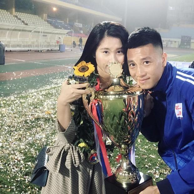 Chân dung bạn gái xinh đẹp của cầu thủ Nguyễn Huy Hùng - người mở tỉ số cho Việt Nam - Ảnh 11.