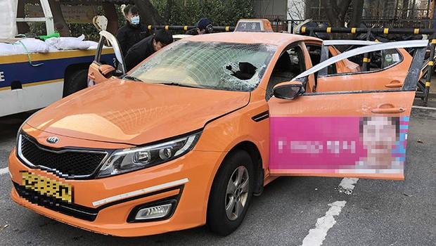Hàn Quốc: Tài xế taxi truyền thống tự thiêu để phản đối dịch vụ đi chung xe của Kakao - Ảnh 1.