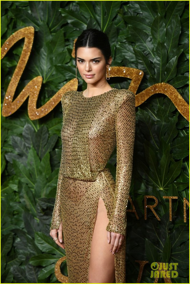 Kendall Jenner khoe vóc dáng đẹp khó cưỡng, táo bạo thả rông trên thảm đỏ - Ảnh 7.