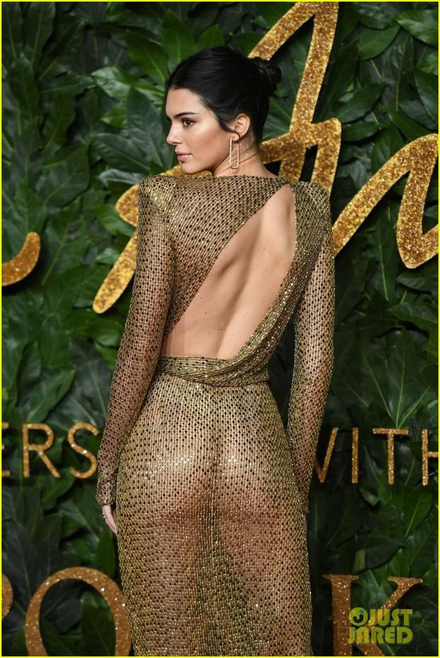 Kendall Jenner khoe vóc dáng đẹp khó cưỡng, táo bạo thả rông trên thảm đỏ - Ảnh 8.