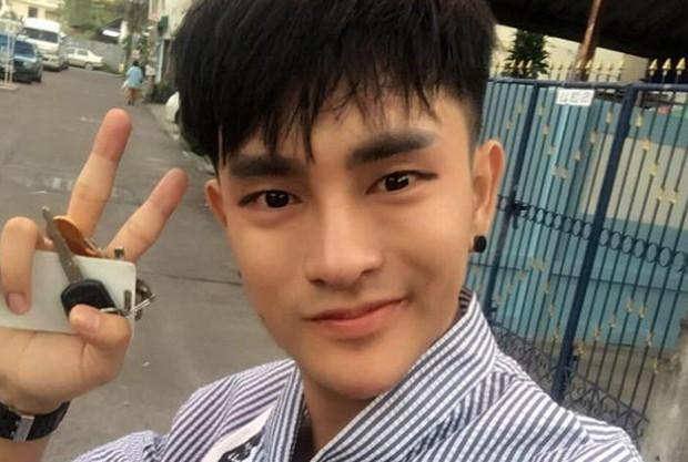 Đi bán giày rong để tích cóp tiền phẫu thuật thẩm mỹ, thanh niên Thái Lan trở thành biểu tượng của sự cố gắng vì cái đẹp - Ảnh 2.
