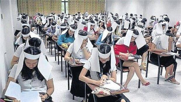 Bức ảnh học sinh che ô lụp xụp kín cả lớp học và sự thật phía sau khiến nhiều người ngã ngửa - Ảnh 4.