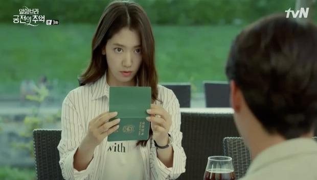 """Loạt bằng chứng cho thấy Hyun Bin vô lại vẫn hoàn vô lại trong """"Hồi Ức Alhambra"""" - Ảnh 7."""