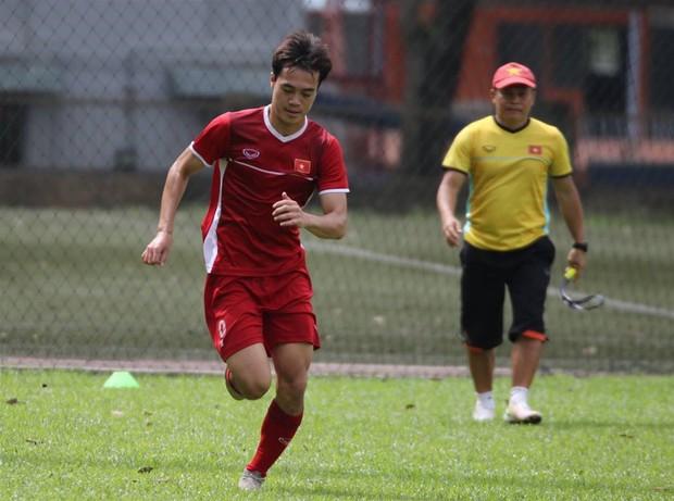 Hà Đức Chinh tập dứt điểm và đá đối kháng sau trận Việt Nam Malaysia - Ảnh 4.