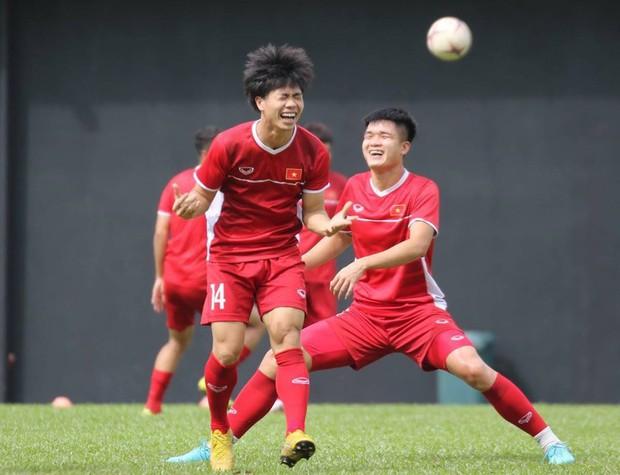 Hà Đức Chinh tập dứt điểm và đá đối kháng sau trận Việt Nam Malaysia - Ảnh 6.