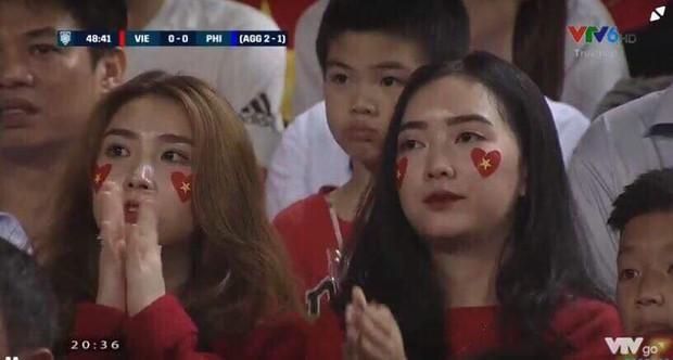 Cùng bị đồn yêu Hà Đức Chinh và Bùi Tiến Dũng, tình chị ngả em nâng của hai cô gái xinh đẹp bỗng được chú ý - Ảnh 3.