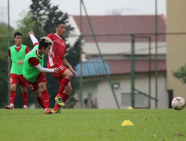 Hà Đức Chinh tập dứt điểm và đá đối kháng sau trận Việt Nam Malaysia - Ảnh 7.