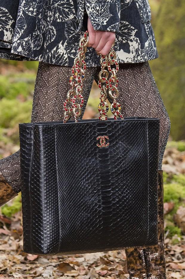 Chanel chính thức tuyên bố ngừng sử dụng lông và da động vật hoang dã - Ảnh 2.