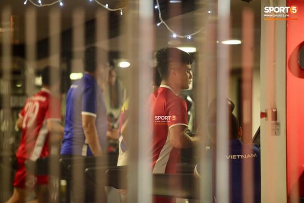 Hà Đức Chinh tập dứt điểm và đá đối kháng sau trận Việt Nam Malaysia - Ảnh 1.