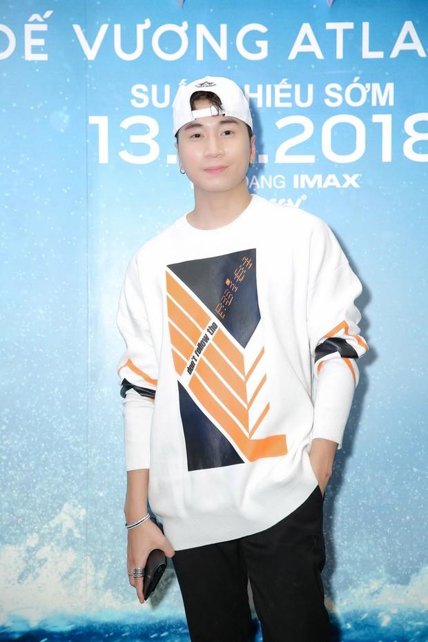 """Minh Tú diện vest đen cùng áo xuyên thấu gợi cảm trong buổi ra mắt phim """"Aquaman"""" - Ảnh 7."""