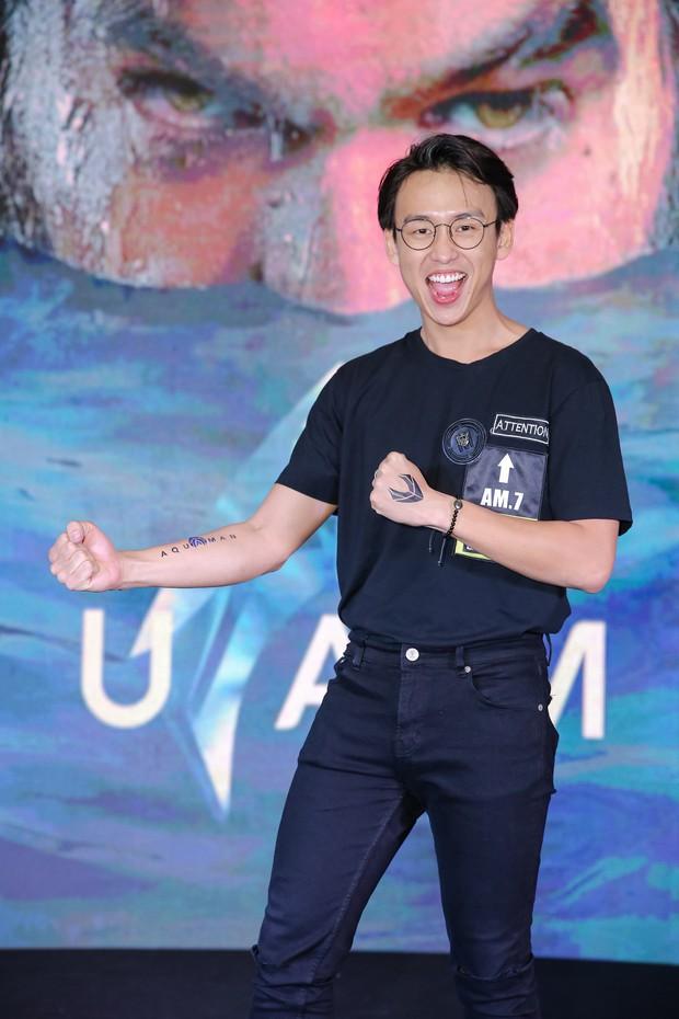 """Minh Tú diện vest đen cùng áo xuyên thấu gợi cảm trong buổi ra mắt phim """"Aquaman"""" - Ảnh 11."""