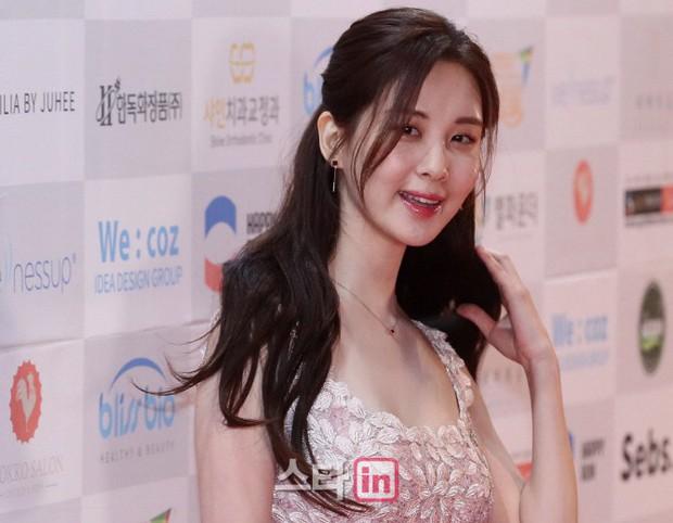 1 ngày sau thảm đỏ, vẻ đẹp thần thánh đến mức nữ thần cũng phải kiêng dè của Seohyun vẫn khiến dân tình điên đảo - Ảnh 5.