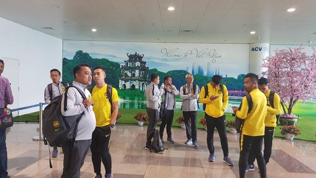 Tuyển Malaysia lại gặp vận đen khi vừa tới Việt Nam - Ảnh 1.