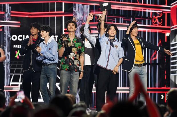 Tiết lộ bảng xếp hạng đánh giá làng nhạc Kpop năm 2018 của các chuyên gia âm nhạc - Ảnh 2.