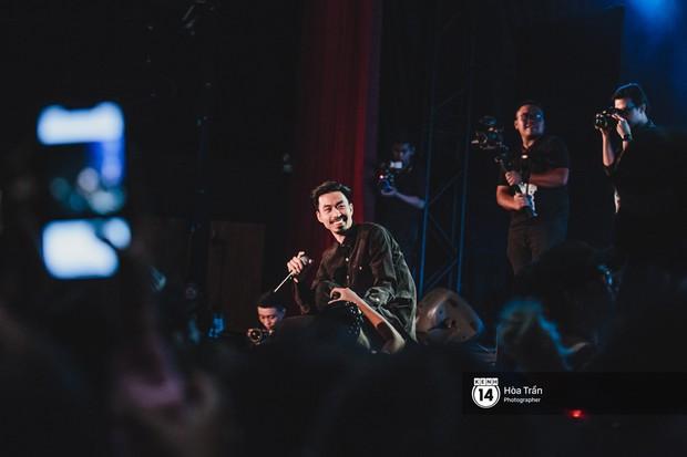 Tiên Tiên làm mới hoàn toàn loạt hit đình đám trong sự nghiệp, kết hợp đặc biệt cùng Đen, Suboi tại concert - Ảnh 16.