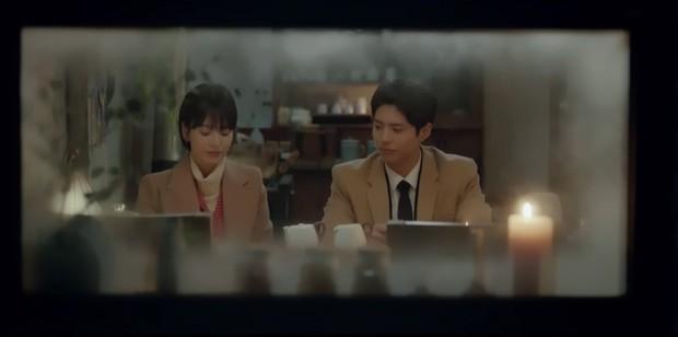 Thả thính dồn dập, cuối cùng Park Bo Gum cũng cưa được chị sếp Song Hye Kyo trong Encounter - Ảnh 14.