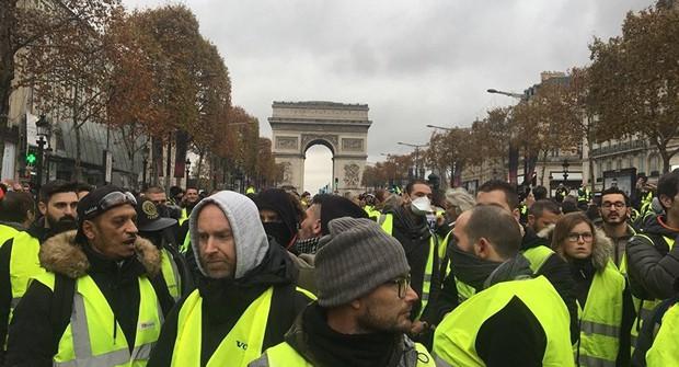 Ai Cập cấm bán gile vàng, lo sợ bùng phát bạo loạn kiểu Pháp  - Ảnh 1.