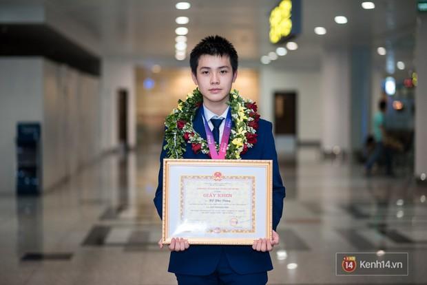 Danh sách con nhà người ta thế hệ mới năm 2018: Nghiện game nhưng học siêu giỏi, ẵm Huy chương Vàng Olympic Quốc tế - Ảnh 10.