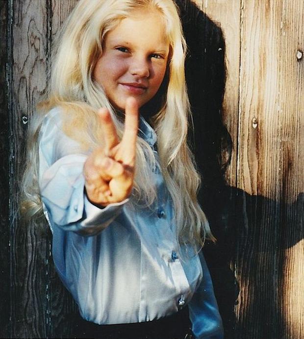 Taylor Swift tròn 29 tuổi: Hành trình từ công chúa nhạc đồng quê ngực phẳng trở thành mỹ nhân có body nóng bỏng - Ảnh 1.
