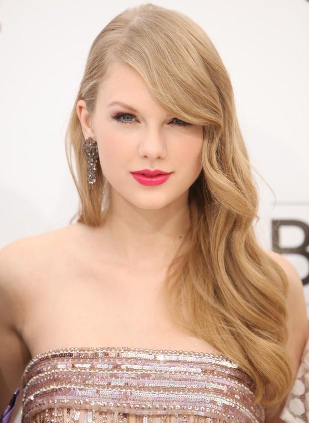Taylor Swift tròn 29 tuổi: Hành trình từ công chúa nhạc đồng quê ngực phẳng trở thành mỹ nhân có body nóng bỏng - Ảnh 7.
