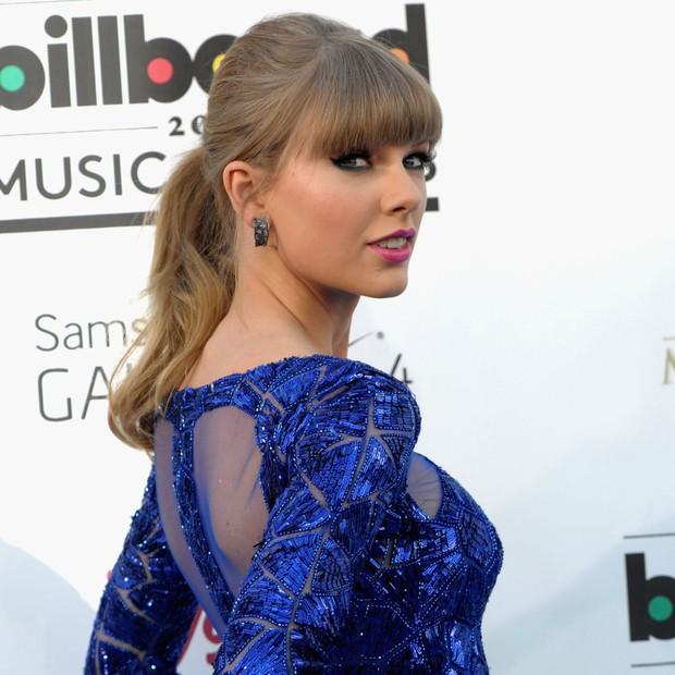 Taylor Swift tròn 29 tuổi: Hành trình từ công chúa nhạc đồng quê ngực phẳng trở thành mỹ nhân có body nóng bỏng - Ảnh 9.