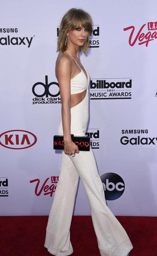 Taylor Swift tròn 29 tuổi: Hành trình từ công chúa nhạc đồng quê ngực phẳng trở thành mỹ nhân có body nóng bỏng - Ảnh 13.