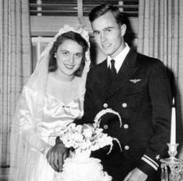 Ảnh: Khoảnh khắc ngọt ngào trong lễ cưới của các Tổng thống Mỹ - Ảnh 4.