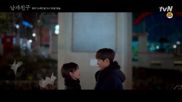 Thả thính dồn dập, cuối cùng Park Bo Gum cũng cưa được chị sếp Song Hye Kyo trong Encounter - Ảnh 1.