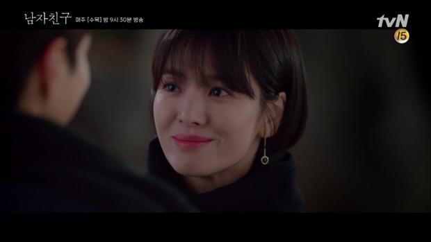 Thả thính dồn dập, cuối cùng Park Bo Gum cũng cưa được chị sếp Song Hye Kyo trong Encounter - Ảnh 10.