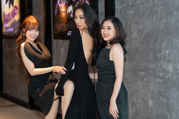 Ninh Dương Lan Ngọc rủ hội gái già sải bước catwalk, phá đảo show diễn của NTK Lâm Gia Khang - Ảnh 6.