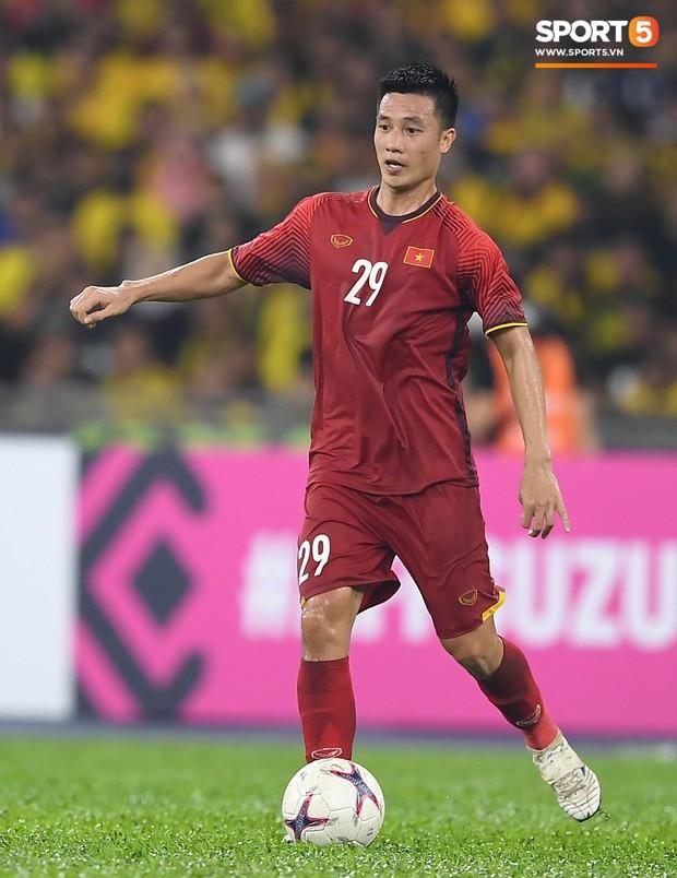 Tiền vệ Huy Hùng: Tôi đã phải từ chối những người nhờ mua vé hộ - Ảnh 2.