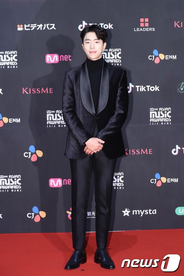 Thảm đỏ MAMA 2018 tại Nhật: Mỹ nhân kém nổi lấn át Lee Sung Kyung vì sexy bùng nổ, BTS, Park Bo Gum quá đẳng cấp - Ảnh 30.