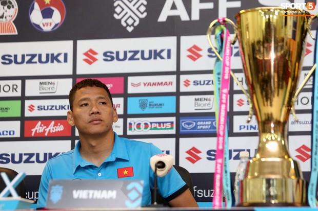 Anh Đức hé lộ màn động viên Đức Chinh sau trận chung kết lượt đi AFF Cup 2018 - Ảnh 2.