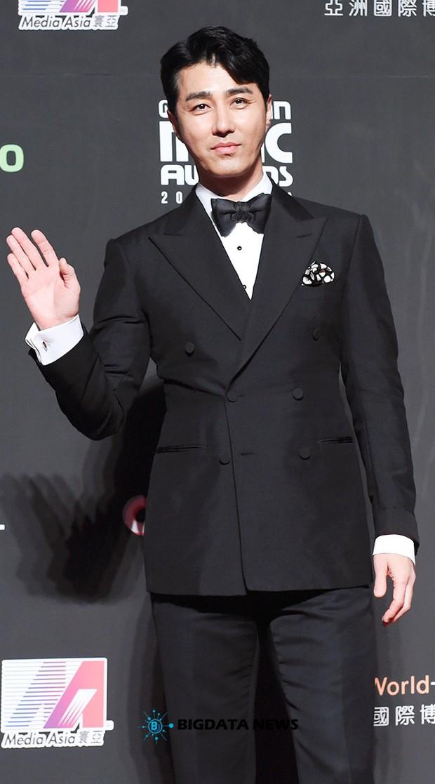 Siêu thảm đỏ MAMA Hong Kong: Angela Baby đối đầu mẹ Kim Tan, Song Joong Ki, BTS và Janet Jackson dẫn đầu dàn sao - Ảnh 24.