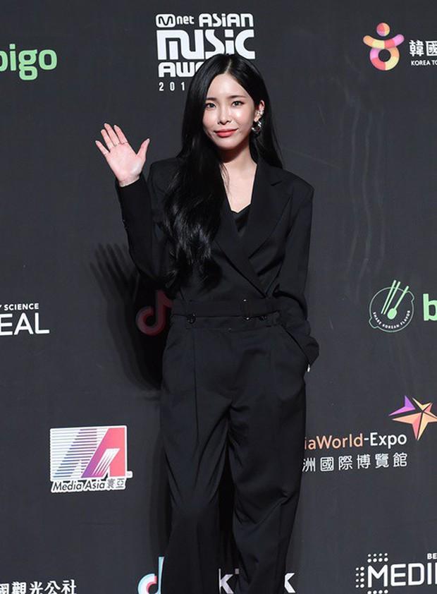 Siêu thảm đỏ MAMA Hong Kong: Angela Baby đối đầu mẹ Kim Tan, Song Joong Ki, BTS và Janet Jackson dẫn đầu dàn sao - Ảnh 15.