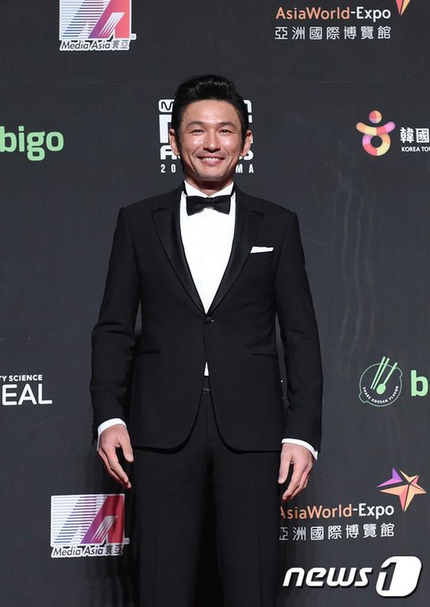 Siêu thảm đỏ MAMA Hong Kong: Angela Baby đối đầu mẹ Kim Tan, Song Joong Ki, BTS và Janet Jackson dẫn đầu dàn sao - Ảnh 25.