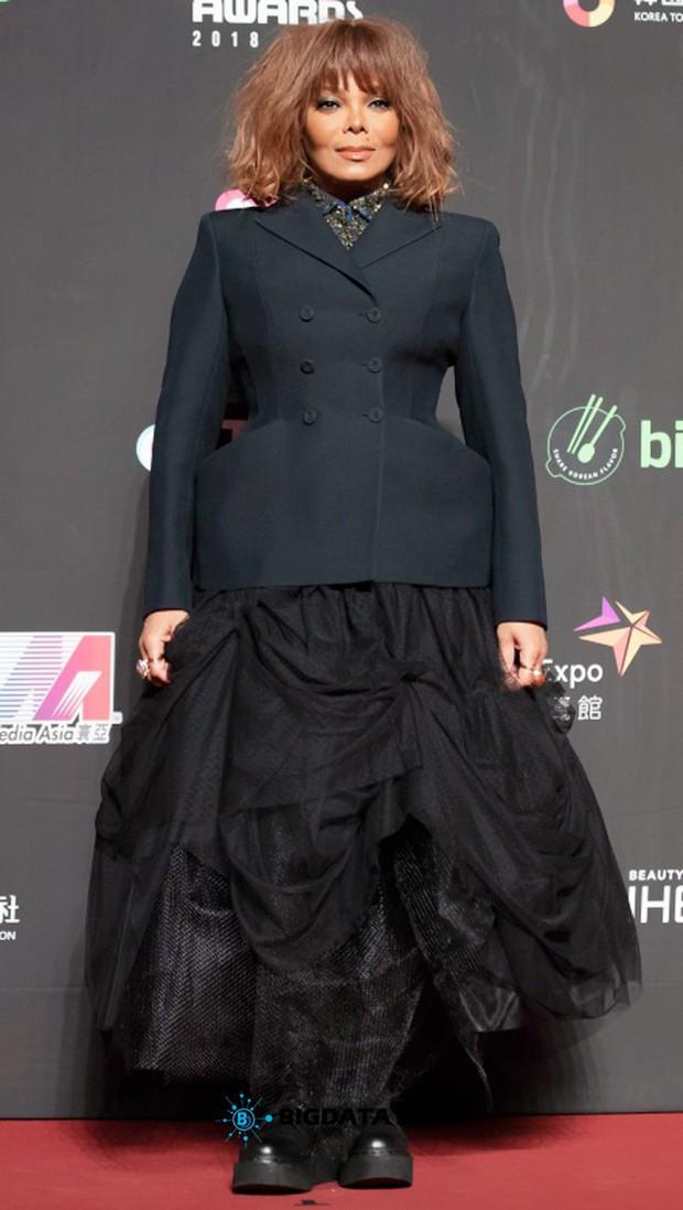 Siêu thảm đỏ MAMA Hong Kong: Angela Baby đối đầu mẹ Kim Tan, Song Joong Ki, BTS và Janet Jackson dẫn đầu dàn sao - Ảnh 10.