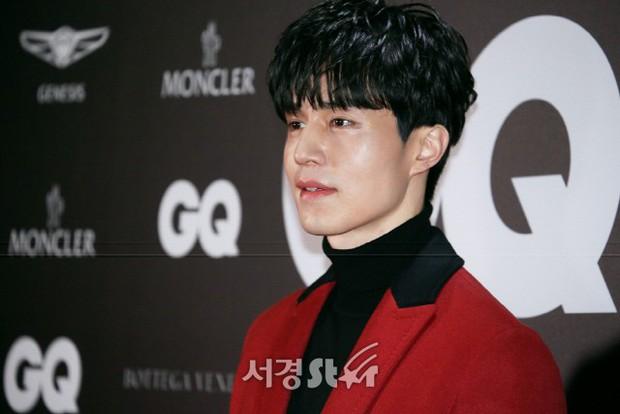 Màn chạm trán hiếm hoi của 2 nam thần: Cùng mặt đẹp như tạc, Lee Dong Wook vẫn nổi hơn Cha Eun Woo dù tóc bết? - Ảnh 4.