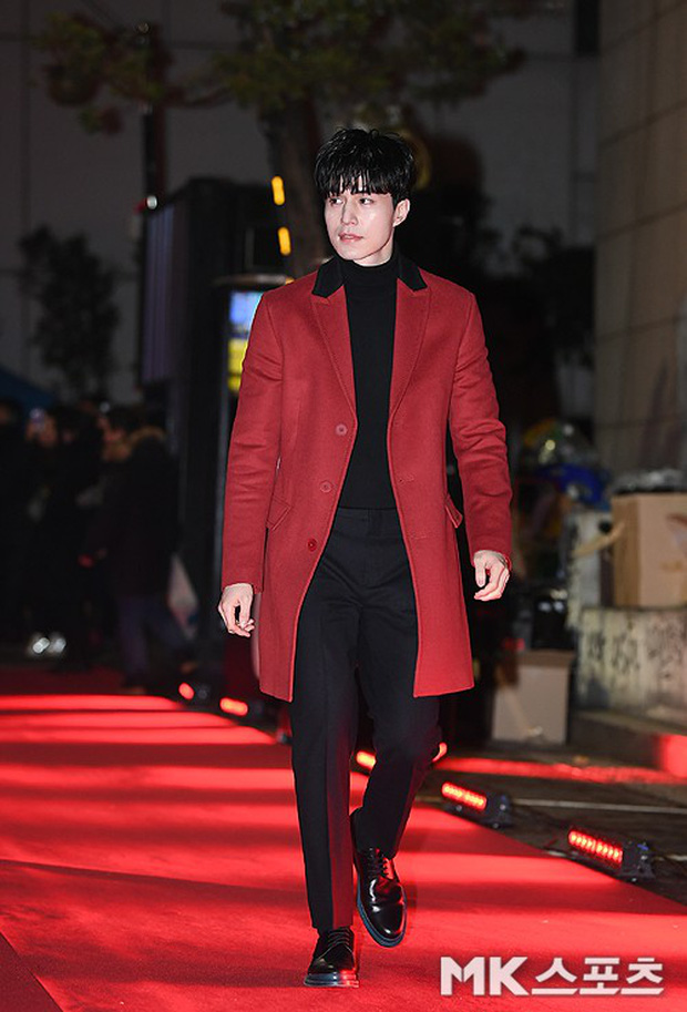 Màn chạm trán hiếm hoi của 2 nam thần: Cùng mặt đẹp như tạc, Lee Dong Wook vẫn nổi hơn Cha Eun Woo dù tóc bết? - Ảnh 1.